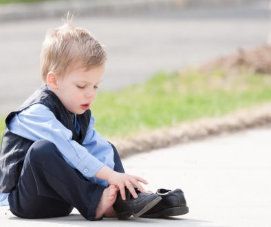 Criaça sente dor no pé-Dr-David-Nordon-Ortopedista-Infantil