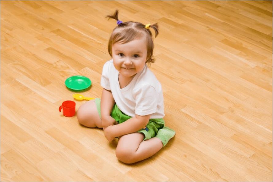 Sentar em W faz mal-Dr-David-Nordon-Ortopedista-Infantil